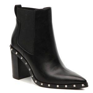 NWOT Charles David Dodger Chelsea Boot, Size 8.5